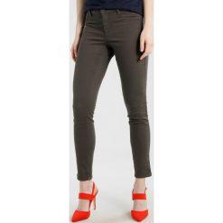 Sisley Jeansy Slim Fit khaki. Brązowe jeansy damskie Sisley. Za 179,00 zł.