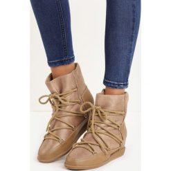 Beżowe Śniegowce Jimmy. Brązowe buty zimowe damskie marki Born2be, z materiału, na płaskiej podeszwie. Za 49,99 zł.