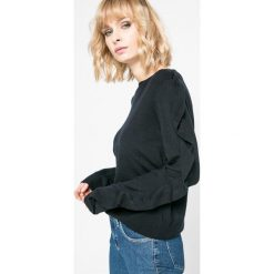 Vero Moda - Sweter Sky. Szare swetry klasyczne damskie Vero Moda, l, z dzianiny, z okrągłym kołnierzem. W wyprzedaży za 69,90 zł.