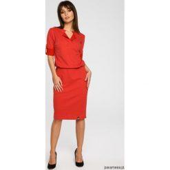 Sukienka ze stójką i plisą w dekolcie - zielona. Czerwone sukienki dzianinowe marki House, l, z napisami, sportowe, sportowe. Za 189,00 zł.