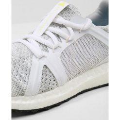 Adidas by Stella McCartney ULTRA BOOST PARLEY Obuwie do biegania treningowe stone/white/blue. Szare buty do biegania damskie adidas by Stella McCartney, z materiału. W wyprzedaży za 584,35 zł.