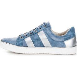 Wiązane trampki fashion KYLIE niebieskie. Białe trampki i tenisówki damskie marki KYLIE. Za 99,00 zł.