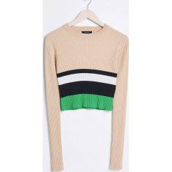 Swetry damskie: Krótki dzianinowy sweter - Wielobarwn