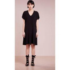 Sukienki hiszpanki: Bruuns Bazaar WILMA  Sukienka z dżerseju black