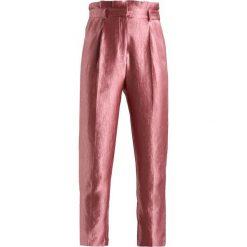 Spodnie z wysokim stanem: Topshop PLEAT WAIST PEG Spodnie materiałowe rose