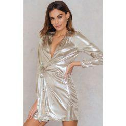 Sukienki hiszpanki: Glamorous Metaliczna sukienka kopertowa – Gold