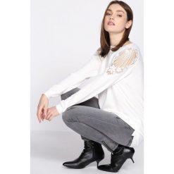 Swetry klasyczne damskie: Biały Sweter Comply