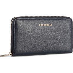 Duży Portfel Damski COCCINELLE - BW5 Metallic Soft E2 BW5 11 32 01 Bleu 011. Czarne portfele damskie marki Coccinelle. W wyprzedaży za 419,00 zł.