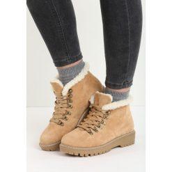 Camelowe Traperki Want Them. Szare buty zimowe damskie Born2be, z okrągłym noskiem, na płaskiej podeszwie. Za 99,99 zł.