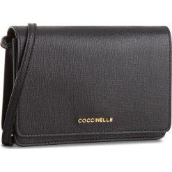 Torebka COCCINELLE - CV3 Mini Bag E5 CV3 55 D6 05 Noir 001. Czarne listonoszki damskie Coccinelle, ze skóry. W wyprzedaży za 589,00 zł.