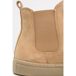 Botki męskie: Shoe The Bear KEITH Botki sand