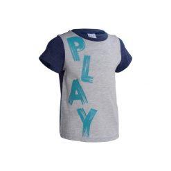 Koszulka z krótkim rękawem. Szare bluzki dziewczęce z krótkim rękawem marki DOMYOS, z elastanu, z kapturem. W wyprzedaży za 9,99 zł.