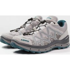 Lowa AEROX GTX Obuwie hikingowe hellgrau/petrol. Szare buty sportowe damskie Lowa. W wyprzedaży za 623,20 zł.