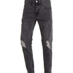 Obey Clothing JUVEE FLOODED Jeansy Slim Fit destroyed black. Czarne rurki męskie Obey Clothing. W wyprzedaży za 215,40 zł.