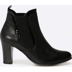 Caprice - Botki. Czarne buty zimowe damskie Caprice, z materiału, z okrągłym noskiem, na obcasie. W wyprzedaży za 179,90 zł.