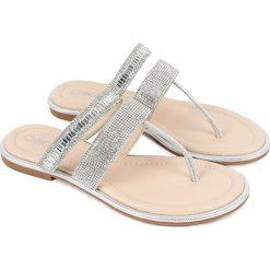 Sandały japonki w kolorze srebrnym. Szare klapki damskie Chika 10. W wyprzedaży za 72,95 zł.