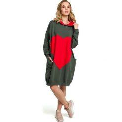 Zielona Dresowa Sportowa Sukienka z Aplikacją. Szare sukienki dresowe marki bonprix, melanż, z kapturem, z długim rękawem, maxi. Za 165,90 zł.