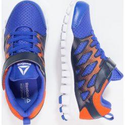 Reebok REALFLEX TRAIN 4.0 Obuwie treningowe acid blue/navy/lava. Niebieskie buty sportowe chłopięce Reebok, z materiału. Za 169,00 zł.