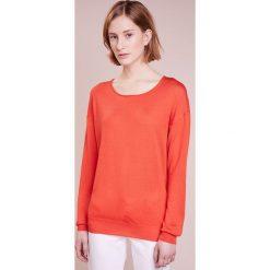 CLOSED Sweter orange lava. Czerwone swetry klasyczne damskie CLOSED, xs, z jedwabiu. W wyprzedaży za 434,85 zł.