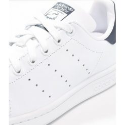 Adidas Originals STAN SMITH Tenisówki i Trampki run white/new navy. Białe tenisówki męskie adidas Originals, z materiału. Za 389,00 zł.