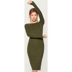 Dopasowana midi sukienka - Khaki. Czerwone sukienki marki Mohito, z bawełny. Za 69,99 zł.