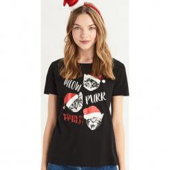 T-shirt ze świątecznymi kotami - Czarny. Czarne t-shirty damskie Sinsay, l. Za 24,99 zł.