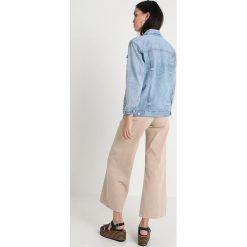 Madewell DISTRESSED LIGHT  Kurtka jeansowa junction wash. Niebieskie kurtki damskie jeansowe Madewell, xs. Za 589,00 zł.