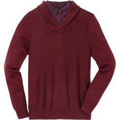 Sweter z koszulową wstawką Regular Fit bonprix czerwony rubinowy. Czerwone swetry klasyczne męskie marki bonprix, l, z koszulowym kołnierzykiem. Za 129,99 zł.
