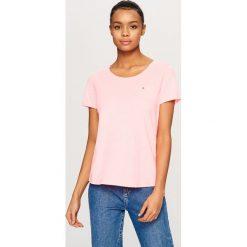 T-shirty damskie: T-shirt z kieszonką – Pomarańczo