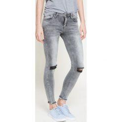 Answear - Jeansy Because of you. Szare jeansy damskie ANSWEAR, z bawełny. W wyprzedaży za 99,90 zł.
