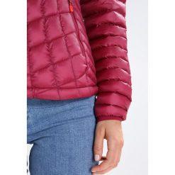 Marmot Kurtka Outdoor red dahlia. Fioletowe kurtki sportowe damskie Marmot, l, z materiału, outdoorowe. W wyprzedaży za 671,20 zł.