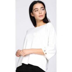 Biały Sweter Running Circles. Białe swetry oversize damskie Born2be, l, z dzianiny. Za 79,99 zł.