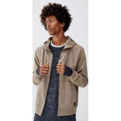 Sweter z fakturą w kolorze ciemnego indygo. Szare swetry klasyczne męskie Pull&Bear, m. Za 109,00 zł.