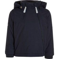 Mikkline BABY JACKET SOLID Kurtka zimowa dark marine. Niebieskie kurtki chłopięce zimowe marki mikk-line, z jeansu. W wyprzedaży za 287,20 zł.