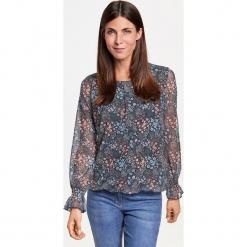 Koszulka z długim rękawem w drobny wzór. Niebieskie bluzki asymetryczne GERRY WEBER EDITION, z długim rękawem. Za 149,00 zł.