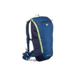 Plecak turystyczny FH500 Helium 15 l. Czerwone plecaki męskie marki QUECHUA, z elastanu. Za 129,99 zł.