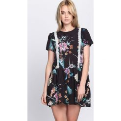 Czarna Sukienka Sweet Thing. Czarne sukienki letnie marki Born2be, l. Za 94,99 zł.