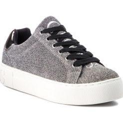 Sneakersy GUESS - FLMEA4 FAM12 SILVE. Szare sneakersy damskie Guess, z materiału. Za 439,00 zł.