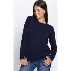 Swetry klasyczne damskie: Granatowy Sweter First Destinate
