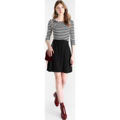 Sukienki hiszpanki: Vero Moda Tall VMNIA 3/4 STRIPED DRESS  Sukienka z dżerseju black