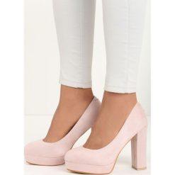 Różowe Czółenka Birdly. Czerwone buty ślubne damskie marki Born2be, ze skóry, z okrągłym noskiem, na wysokim obcasie, na platformie. Za 89,99 zł.