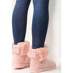 Różowe Śniegowce Imagine. Białe buty zimowe damskie marki vices. Za 89,99 zł.