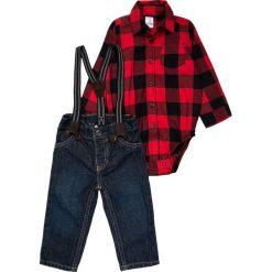 Carter's BOY SUSPENDER BABY Jeansy Relaxed Fit red. Czerwone jeansy chłopięce Carter's. Za 149,00 zł.