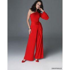 Kombinezon Night-Night - czerwony. Czerwone kombinezony z printem Pakamera. Za 320,00 zł.