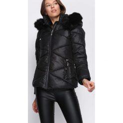Czarna Kurtka Detract. Czarne kurtki damskie pikowane Born2be, na zimę, l, z materiału. Za 194,99 zł.