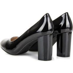 Buty ślubne damskie: Lakierowane czarne czółenka JESSAMINE