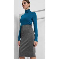 Ołówkowa spódnica. Szare spódniczki dzianinowe Orsay, xs, z podwyższonym stanem, dopasowane. Za 59,99 zł.