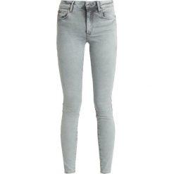 GStar STAR SHAPE HIGH SUPER SKINNY Jeans Skinny Fit lt blue aged. Białe jeansy damskie relaxed fit marki G-Star, z nadrukiem. Za 659,00 zł.