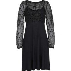Sukienka z dżerseju bonprix czarny. Czarne sukienki balowe marki bonprix, z dżerseju, z długim rękawem. Za 109,99 zł.
