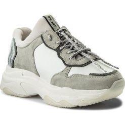 Sneakersy BRONX - 66167-A BX 1525 White 04. Czarne sneakersy damskie marki Bronx, z materiału. W wyprzedaży za 399,00 zł.